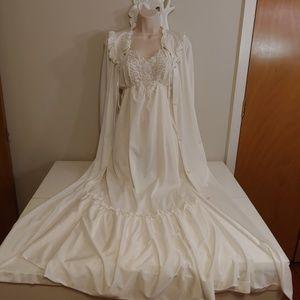 Vintage 70s white bridal peignoir set